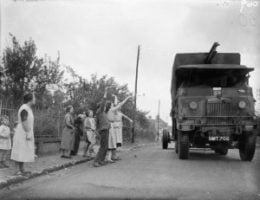The_British_Expeditionary_Force_BEF_in_France_1939-1940_O69-300x231