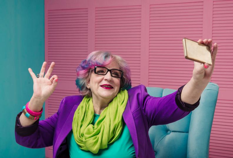 Jeanne Ellin: pink hair, a best friend chair and a punk rock band