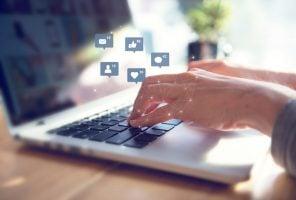Creating social media interaction