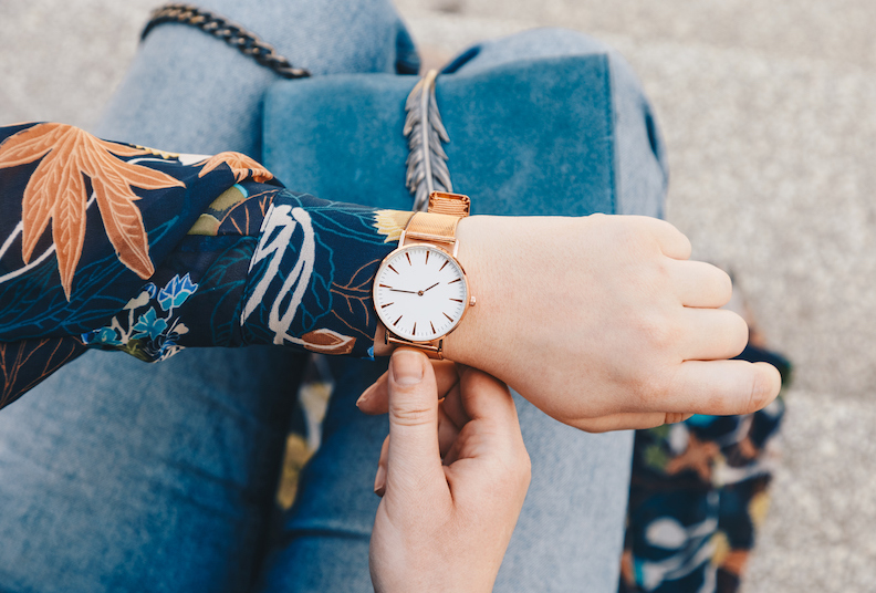 Buying women's watches online