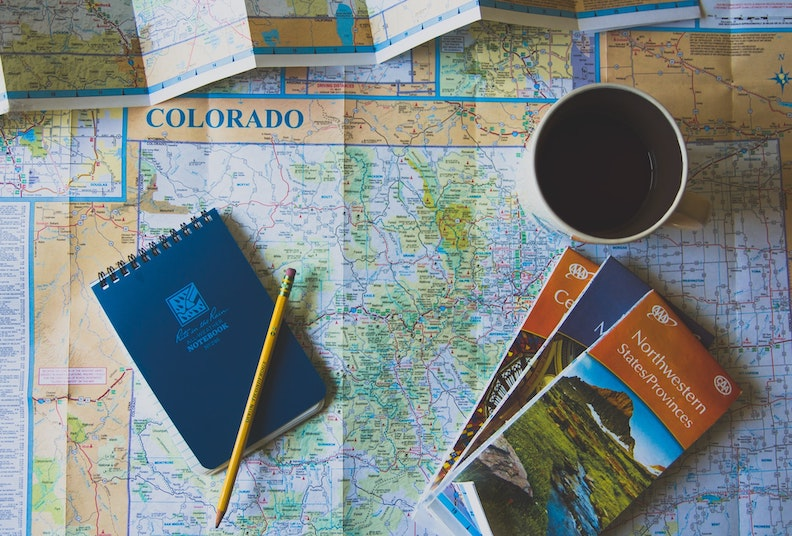How to create a budget travel packing list