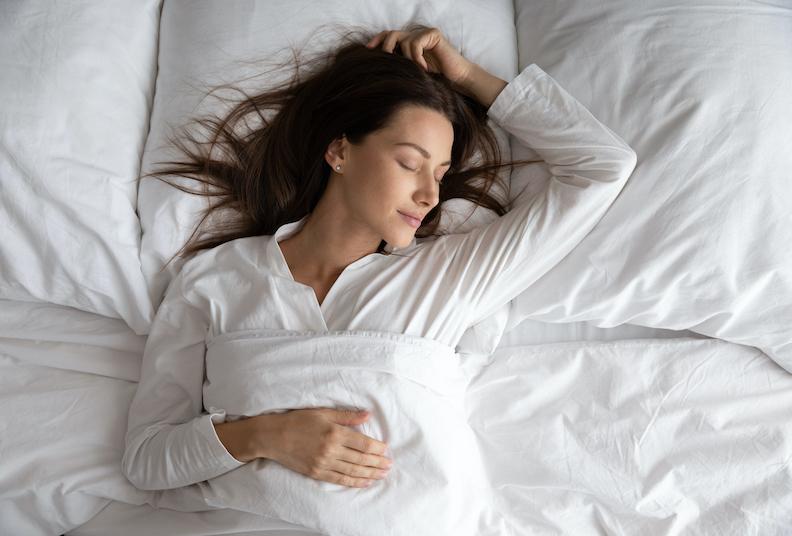 6 tips to enjoy a restorative  deep sleep