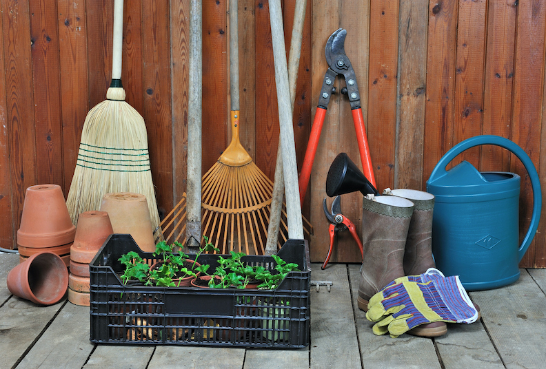 10 tips for storing your garden equipment for winter