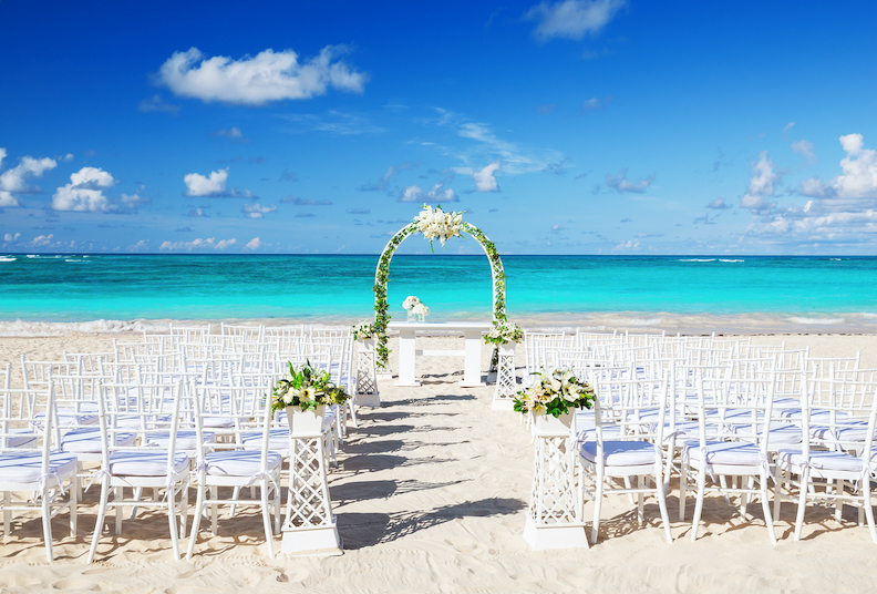 9 tips to organise a perfect wedding on the beach